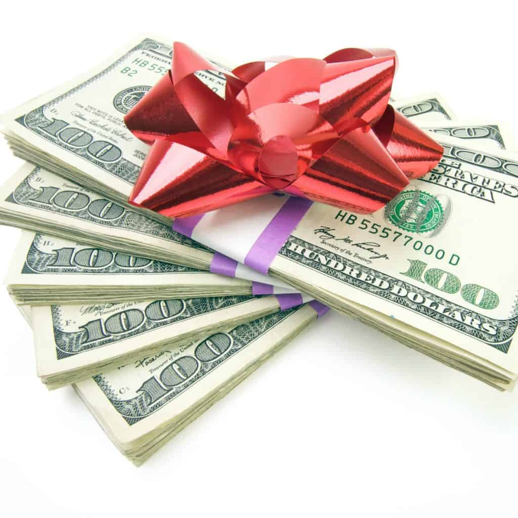 10 Easy Ways To Make Extra Money For Christmas