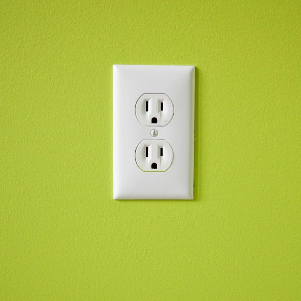How to save money on utilities - these are the exact 10 things I've done to slash my electric bill in half!