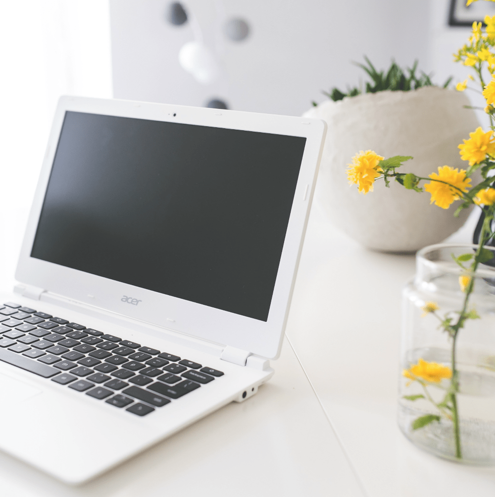 How I Make a Full-Time Income From Home as a SAHM (Working Part Time)